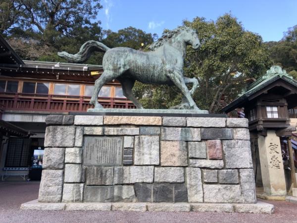 諏訪神社 神馬象
