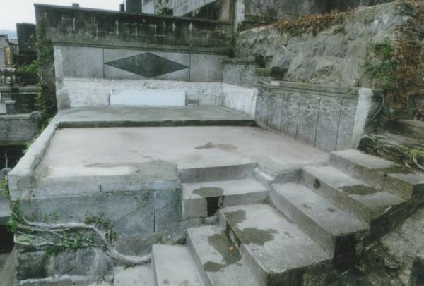 お墓の土地の更地工事